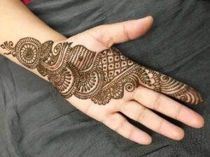 Download Easy & Simple Henna Mehandi Design Pictures (2)