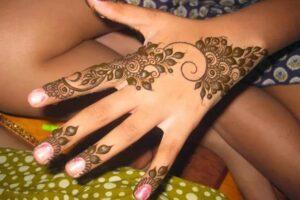 flower-leaf-Arabic-Mehendi-Designs