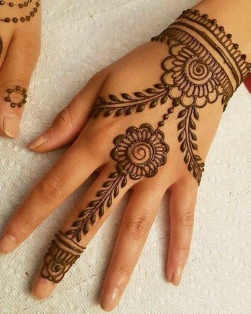 mehndi-designs-for-hands-simple