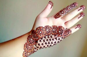 mehndi-designs-for-hands-simple-and-easy